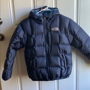 North face puffer coat, size 10/12. Navy.